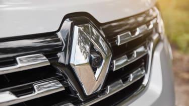 Renault Alaskan - badge