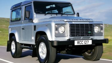Latest Defender's bonnet hump hints at fresh turbodiesel