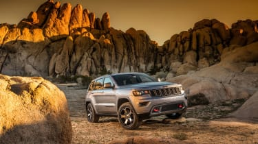 Jeep Grand Cherokee Trailhawk - front three quarter