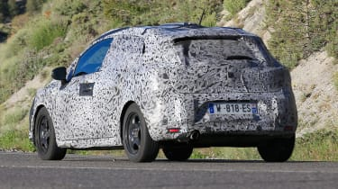 Renault Clio spied - rear