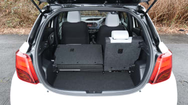 Toyota Yaris Design Bi-Tone 2016 - boot space