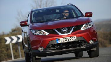 Nissan Qashqai Tekna 2014 front action