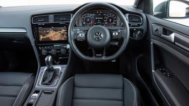 Volkswagen Golf R 2017 dash