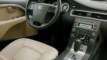 Volvo S80 V8 interior