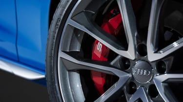 Audi S4 - wheel