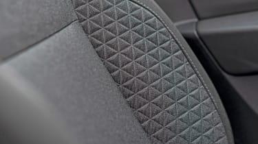 Renault Clio Long termer - seat
