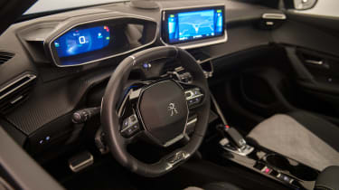 Peugeot e-2008 - dash