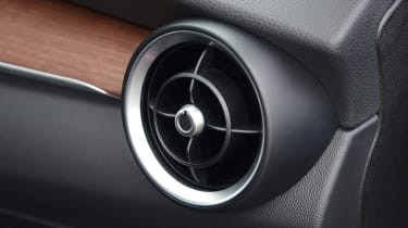 Alfa Romeo Stelvio - air vent