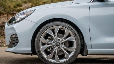 Hyundai i30 Fastback - wheel