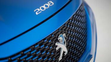Peugeot e-2008 - Peugeot badge