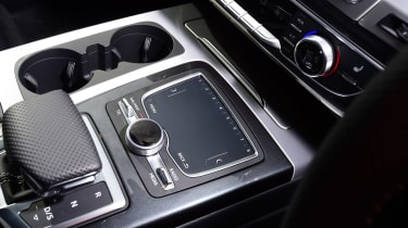 Audi Q7 - centre console