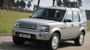 Land Rover Discovery front action