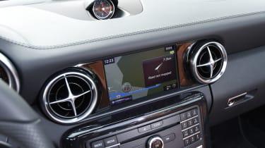 Mercedes SLC roadster 2016 - display