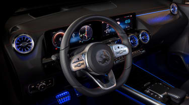 Mercedes EQA prototype - dash