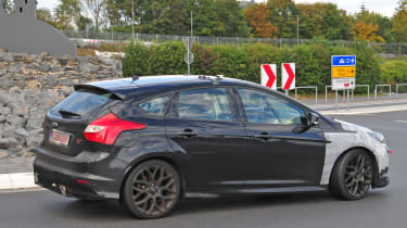 Ford Focus RS spy shot - driving