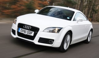 Audi TT Coupe front tracking