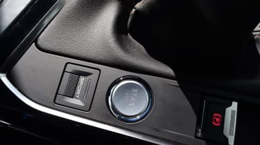 Peugeot 5008 - interior buttons