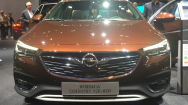 Frankfurt - Vauxhall Insignia Country Tourer - grille