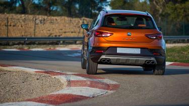 SEAT Leon Cross Sport - rear