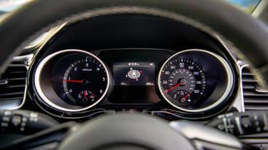 Kia Proceed - dials