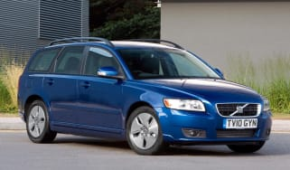 Volvo V50 front three-quarters