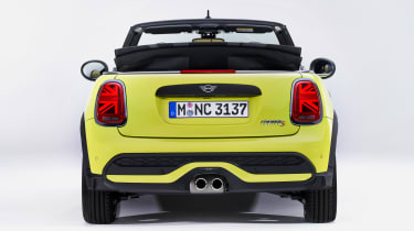 MINI Convertible facelift - full rear