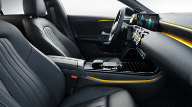 Mercedes CLA Shooting Brake - studio front seats