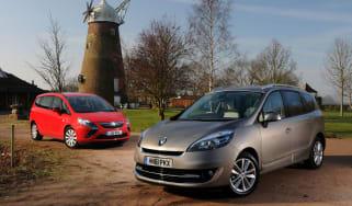 Renault Grand Scenic vs Vauxhall Zafira Tourer