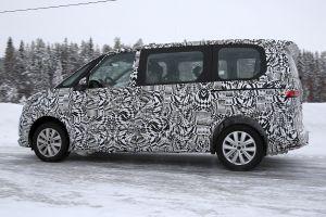 Volkswagen Transporter T7 spy - side