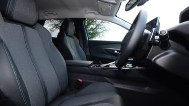 New Peugeot 3008 facelift 2020 front seats