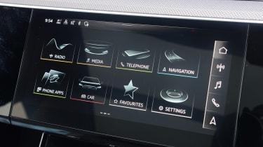 Audi e-tron S - infotainment