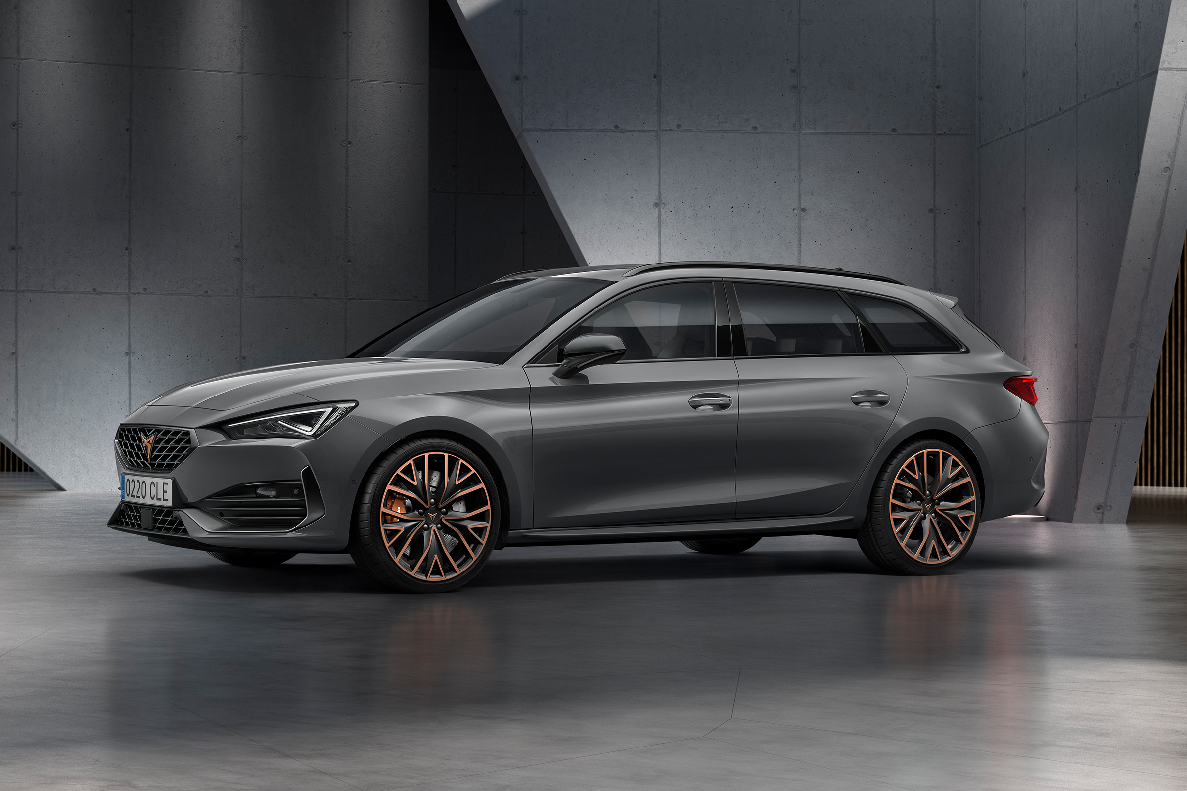 New Cupra Leon revealed with hybrid power and up to 306bhp   Auto ...