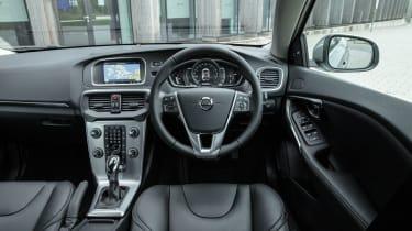 Volvo V40 2016 - interior