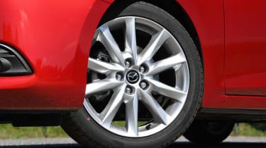 Mazda 3 Fastback - wheel