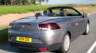 Renault Megane CC rear tracking