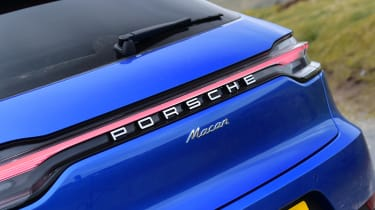 Porsche Macan - boot lid