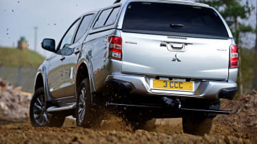 Mitsubishi L200 - rear off-road
