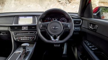 Kia Optima Sportswagon GT Line S - interior