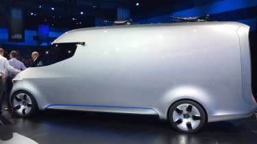 Mercedes Vision Van - reveal side