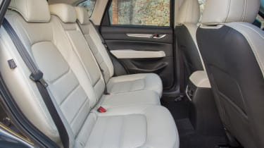 Mazda CX-5 2017 - manual Tuscany rear seats