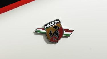 Abarth 500C Abarth badge