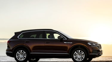 VW Touareg 3.0 V6 petrol - side