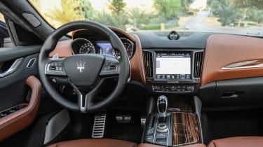 Maserati Levante - dash