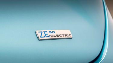 Renault ZOE - ZE badge