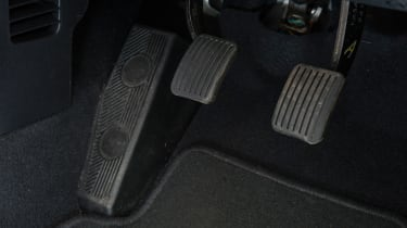Used Hyundai i10 - pedals