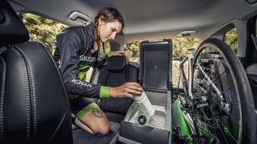 Skoda Karoq Velo - fridge