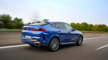 BMW X6 - rear action