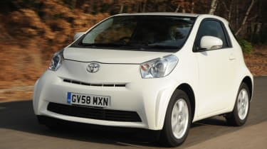 Toyota iQ front tracking