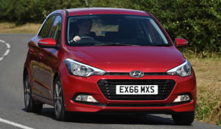Hyundai i20 Turbo Edition - front cornering