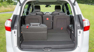 Ford Grand C-MAX 2016 - boot seats up